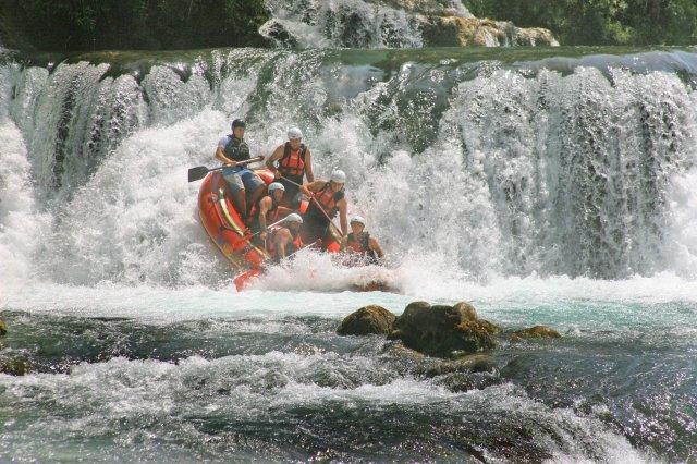 UNA RC Kiro Rafting